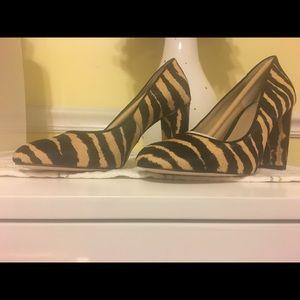 NWB Ann Taylor block heel pump SZ 6